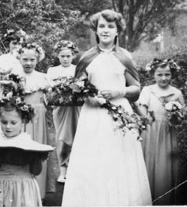 mum as may queen 1954