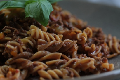 Dairy-Free Ragu sauce with wholewheat pasta